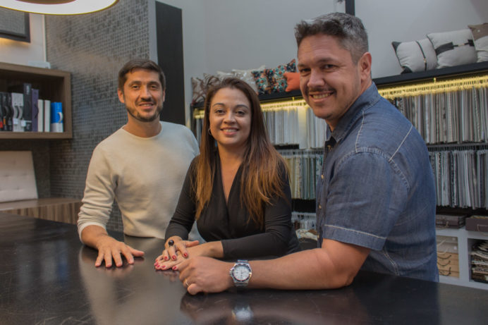 Alexandre Harrisberger e Antonio Martinelli assinam a nova vitrine Villa Cores